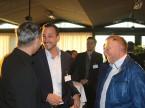 Marc Kessler, CEO der Quality1 AG (Mitte) und Hanspeter von Rotz, Geschäfsführer der Auto Welt von Rotz in Münchwilen.Marc Kessler, CEO de Quality1 AG (au c.) et Hanspeter von Rotz, directeur d'Auto Welt von Rotz à Münchwilen.